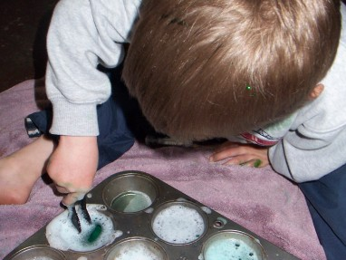 Discovering Green with Water Play – Preschool Color Activity