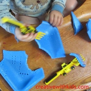 Preschool Sensory Activties with Foam Trays (1)