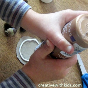 acorn craft project - a ring of glue to hold the acorns