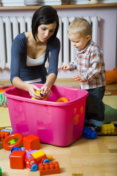 Cleaning up with kids - Interview with Stephanie Morgan of Prject Organize your ENTIRE Life