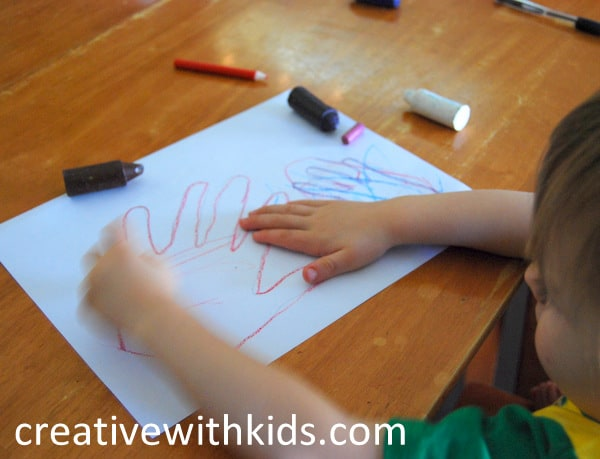 Low Prep toddler activities - Mama and Me handprint coloring