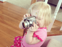 3 Tips for getting kids involved so you can get great family photos.