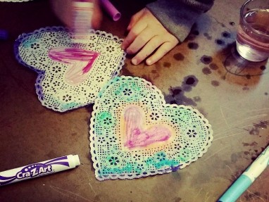 Easy Valentine Craft – Watercolor Marker Heart Doilies