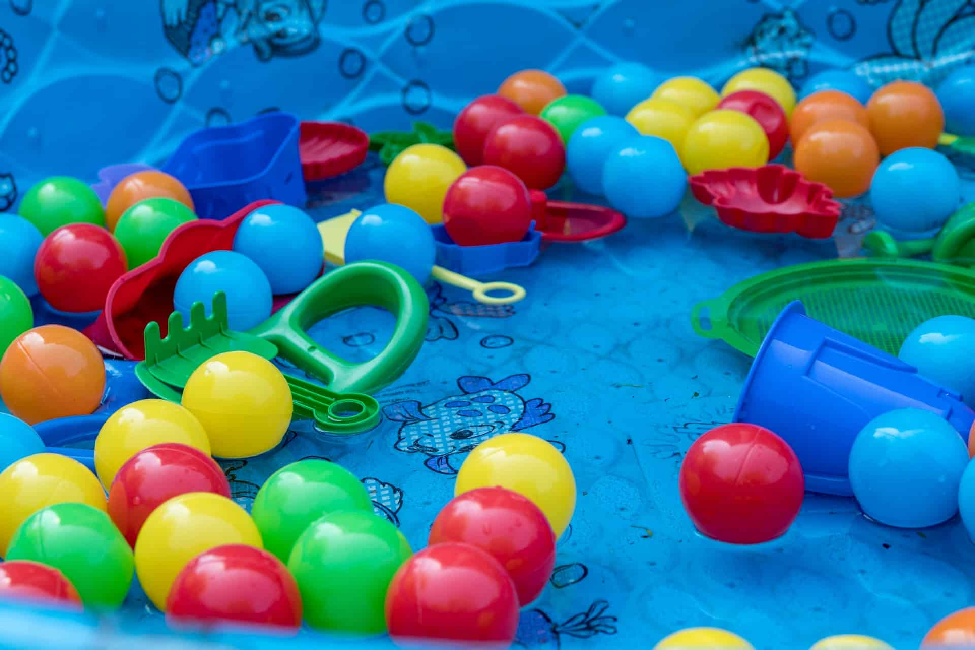 inflatable pool with toys