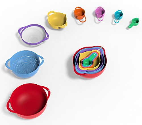 colorful plastic mixing bowls and colander set